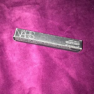 Nars larger than life lengthening Mascara Black